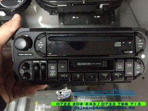 CD player grand cherokee 2